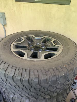 2016 Jeep Rubicon wheels. Set of 5 for Sale in Los Angeles, CA