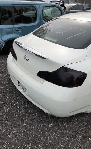 Selling parts for a white Infiniti G35 for Sale in Detroit, MI