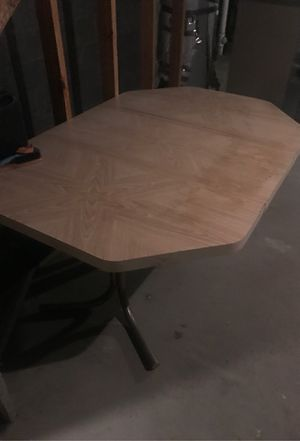 Kitchen table for Sale in Valley View, OH