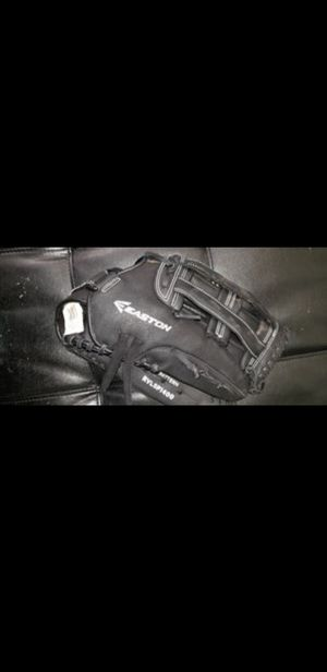 "Easton rival 14"" softball glove like new for Sale in Pasadena, TX"