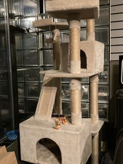 Large Cat Tree / Cat Toy for Sale in Seattle,  WA