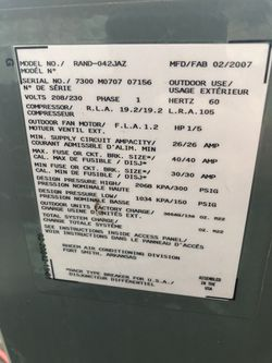 Air Conditioner In excellent Condition And Full With Freon Charge for Sale in West Covina, CA