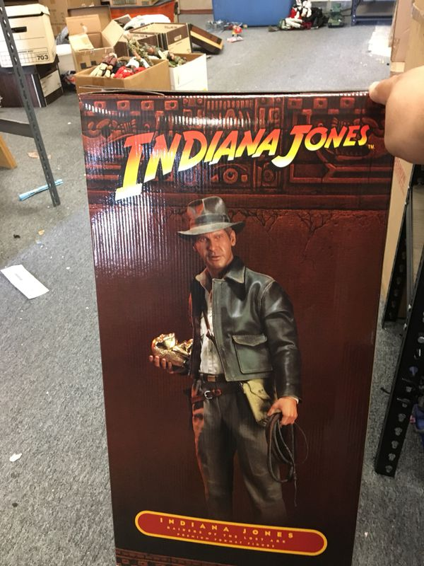 Indiana Jones 1/4th Scale Statue from Sideshow Collectibles