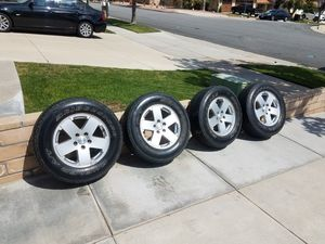 Set Of 4 Oem Jeep Rubicon 18 x 7.5 Wheels With Rubber for Sale in Alta Loma, CA