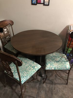 Table and 3 chairs for Sale in Mansfield, TX