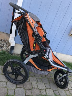 BOB jogging stroller for Sale in Dundee, OR