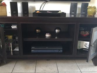 TV wood stand - Rooms to Go for Sale in Lehigh Acres,  FL