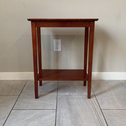 Free End Table / Side Table for Sale in Irvine,  CA