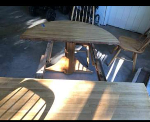 Kitchen/Dining Expandable Table 4 chairs