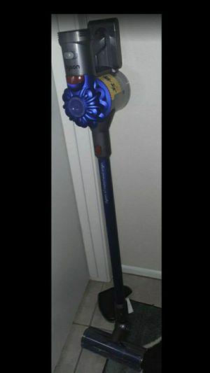 Dyson cordless v7 vacuum for Sale in Glendale, AZ
