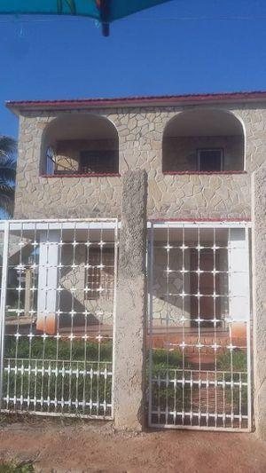 Casa Frente al Mar en Cuba es el piso de arriba for Sale in Hialeah, FL