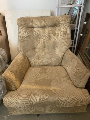 Couch chair for Sale in Adelanto, CA