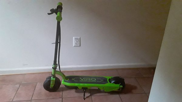 Electric scooter. Needs new charger. $12 walmart or $8 online