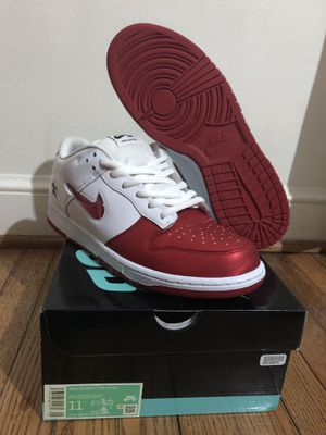 Supreme sb dunk low red for Sale in Alexandria, VA