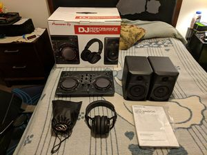 PIONEER DJ PERFORMANCE PACK (DDJ-WEGO4, HRM-5, DM-40) for Sale in Poway, CA