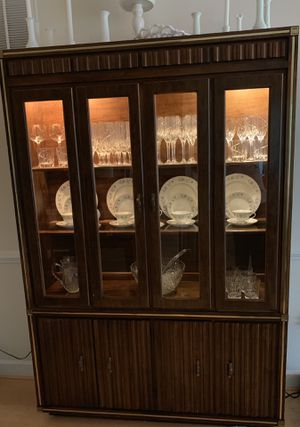 Moving Sale! Vintage Broyhill 2-pc China Cabinet for Sale in Vienna, VA