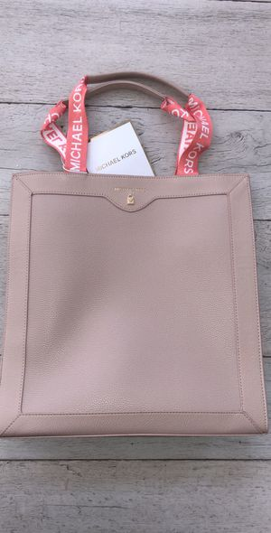 Brand new Michael Kors Purse $27 14 inches length, 14 inches width for Sale in Castro Valley, CA