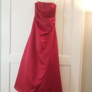Like New, Red David's Bridal Bridesmaid Dress Size 4 for Sale in Manchester, CT