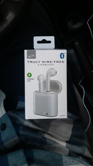 Wire-free bluetooth headphones for Sale in San Bernardino, CA