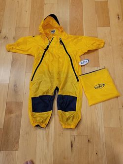 Kids Rain Suit - Size 3T for Sale in Seattle,  WA