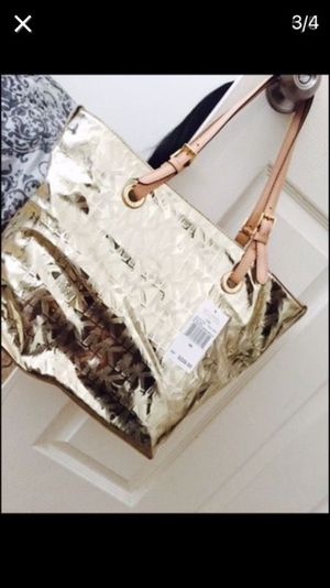AUTHENTIC MICHAEL KORS TOTE BAG (BRAND NEW) for Sale in Oxon Hill-Glassmanor, MD