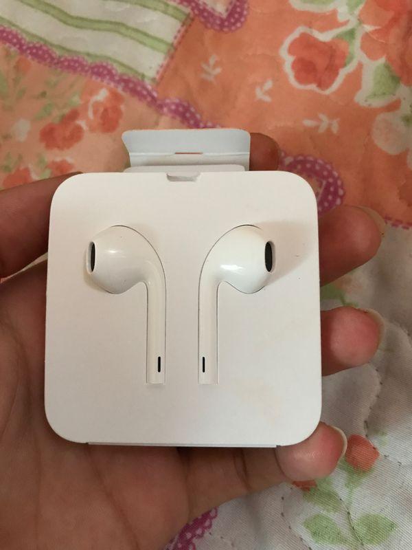 Brand new headphones for iPhone 7