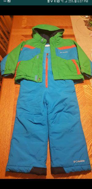 Columbia snowsuit size 4T for Sale in Romeoville, IL