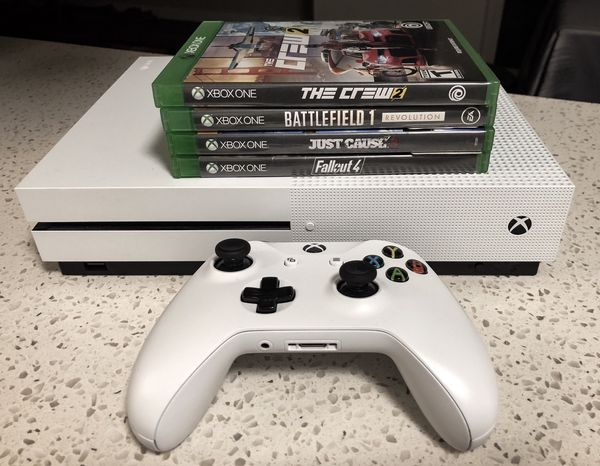 Xbox One S In Excellent Condition