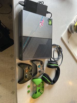Xbox one halo 5 limited edition for Sale in Pasco, WA