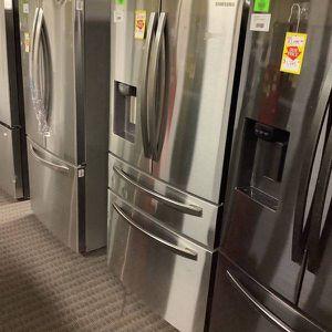 Samsung Refrigerator RF24R7201SR D1I1A for Sale in Fontana, CA