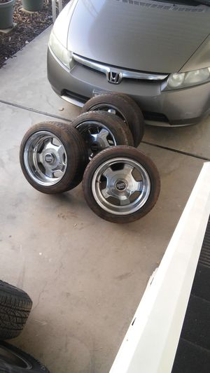 Rims chrome american racing 15 in. 6 lug for Sale in Fresno, CA