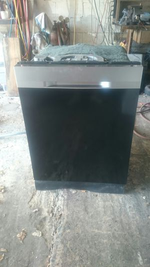 2 years old Samsung dishwasher for Sale in Nottingham, PA