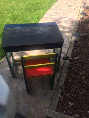 Kids chair desk for Sale in Bolingbrook, IL