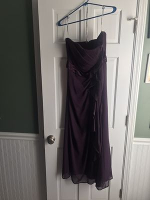 DAVID'S BRIDAL PURPLE BRIDESMAID HOMECOMING PROM DRESS SIZE 8 for Sale in Bartlett, IL