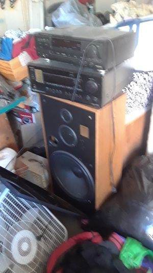 15 in speakers home speakers with receivers for Sale in Stockton, CA