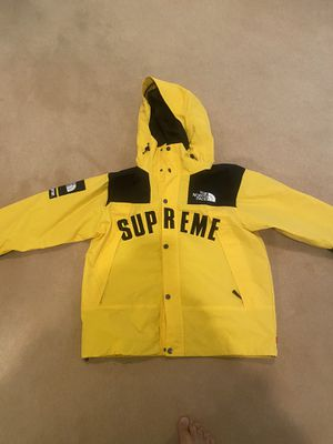 Supreme north face jacket size small for Sale in Castle Rock, CO