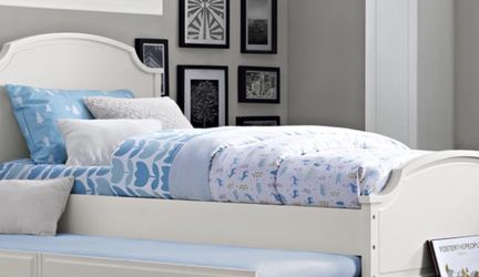 Dorel Living Vivienne White Trundle For Twin Bed/Daybed for Sale in Las Vegas,  NV