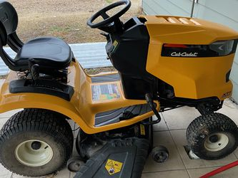 Cub Cadet Tractor for Sale in Houston,  TX