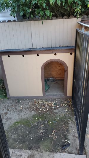 XL dog house for Sale in San Jose, CA