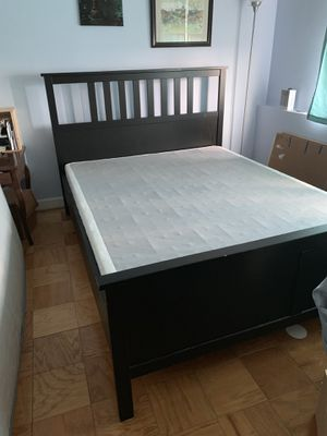 Queen size bed frame with spring box for Sale in Arlington, VA