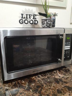 Emerson 900watt microwave oven for Sale in Fresno, CA