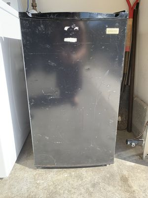 Black Magic Chef compact refrigerator for Sale in Oceanside, CA