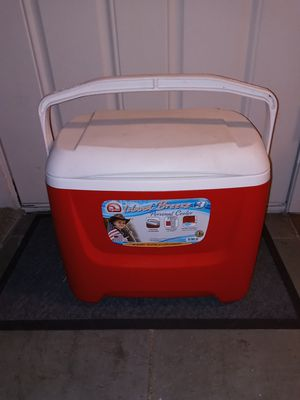 IGLOO COOLER for Sale in Everett, WA