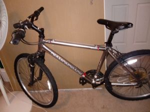 26 inch diamond back mountain bike for Sale in Leland Grove, IL