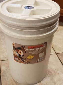 20+lbs Airtight Dog Pet Food Container (3 available) for Sale in Sloan,  NV