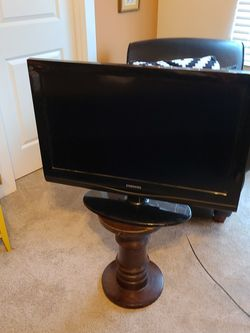 32 Inch Samsung TV for Sale in Marysville,  WA