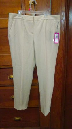 New ladies pants for Sale in Cleveland,  OH
