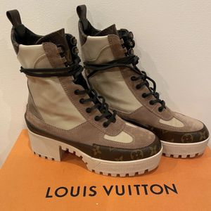 louis vuitton boots for Sale in Charlotte, NC
