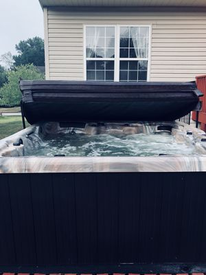 Hot Tub for sale !!!!!! for Sale in Upper Marlboro, MD