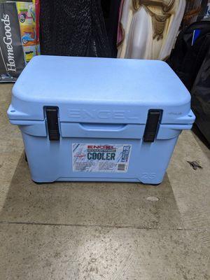 Engel 25 cooler for Sale in Chuluota, FL